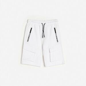 Reserved - Voľné šortky s vreckami - Biela