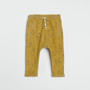 Reserved - Bavlnené nohavice s potlačou - Hnědá