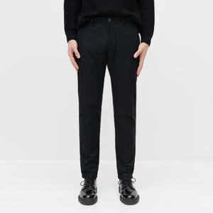 Reserved - Bavlnené chino nohavice slim fit -